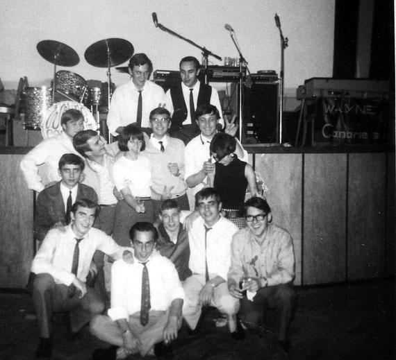 Foto mit Fans 1966