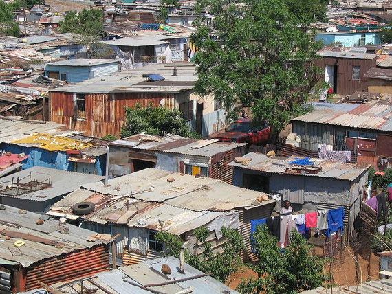 Township Bild Soweto, Südafrika von Wikipedia Autor:Matt-80