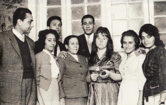 Bettina in Cairo with Egyptian artists, 1962