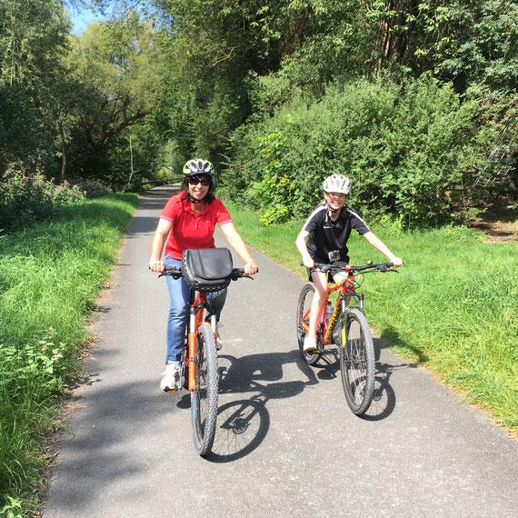Radfahrer auf dem Alme-Radweg © Touristikzentrale Paderborner Land e.V.