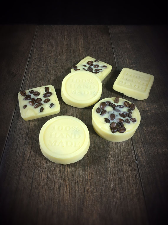 Massage Lotion Bar aus dem Thermomix mit Kaffeebohnen