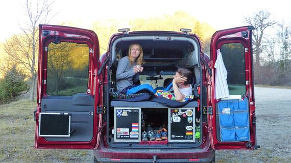 Zu zweit im Van benötigt Platz