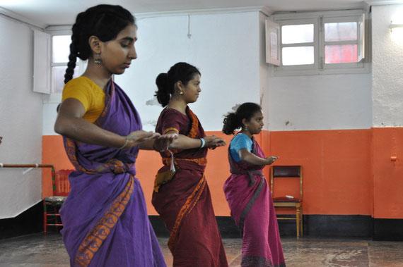Chandrika Chinoy Bharata Natyam Madrid, Chandrika escuela de danza india Madrid, Clases Bharatanatyam Madrid, Clases de Danza India Madrid, Chandrika Chinoy