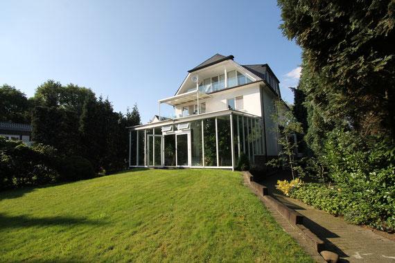 Repräsentative Villa in Düssledorf- Ludenberg