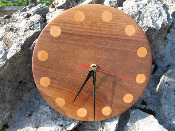Uhr Nussbaum/Ahorn