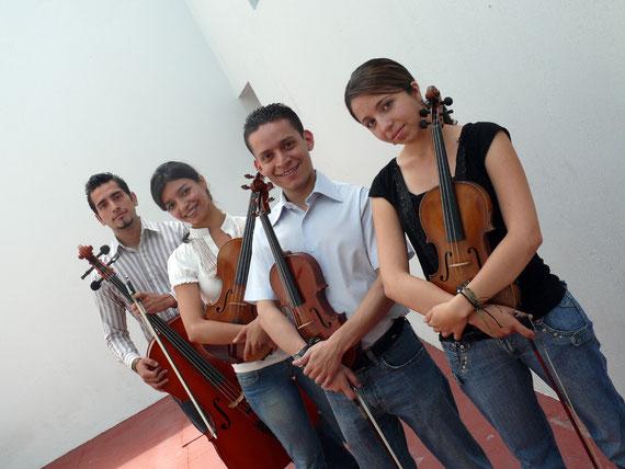 El Cuarteto Asturias lo integran Alvaro Reyes, violín I; Andrea Galdámez, violín II; Iunuhé de Gandarias, viola; Keneth Vásquez, violonchelo.
