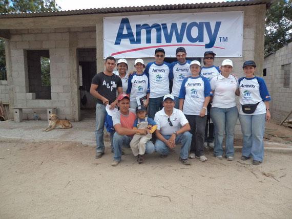 Voluntarios de Hábitat para la Humanidad y Amway  de Guatemala realizaron la construcción de 10 nuevas casas para personas de escasos recursos en Zacapa.