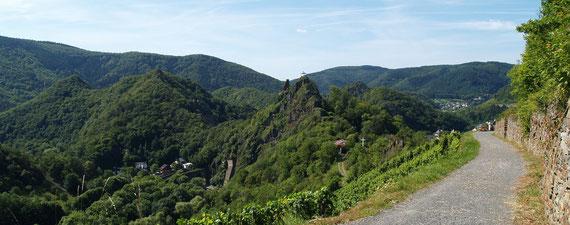 Der Rotweinwanderweg bei Altenahr - Der schönste Streckenabschnitt des Rotweinwanderweges