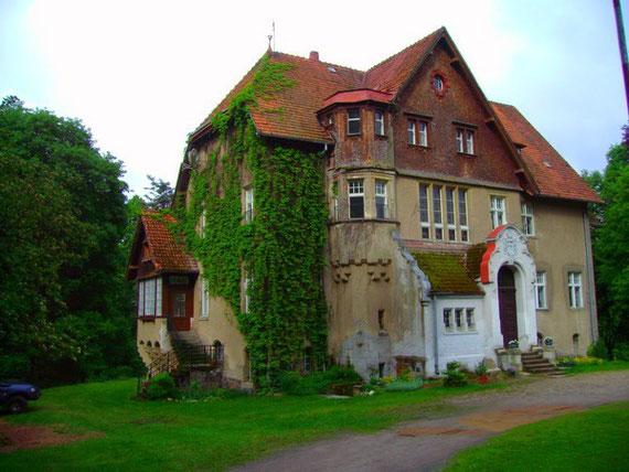 Eine Schlosspension aus den frühen Zwanzigern