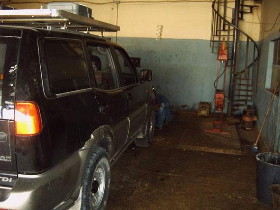 Dieters Auto wird repariert