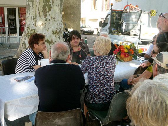 Ici, beaucoup de personnes interressées par les conseils de jardinage prodigués par la chroniqueuse Françoise Lefèvre de Radio France Provence