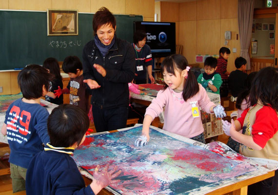 Work shop at Minaminohoshi primary school 2012