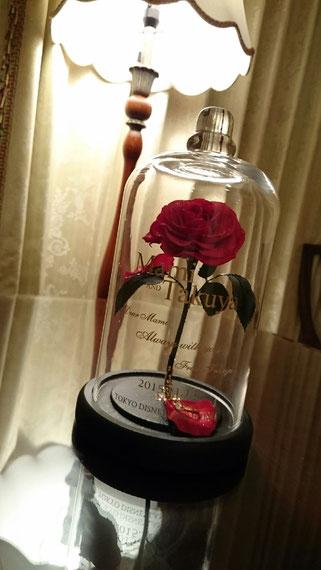 美女と野獣 薔薇 ガラスドーム ディズニー プロポーズ 刻印 スワロフスキー