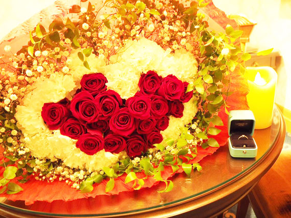 ディズニー プロポーズ ミラコスタ ハートの花束 バラ エンゲージリング 配達 オーダーフラワー  シュシュ chouchou 舞浜花屋