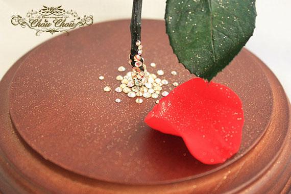 誕生日 プレゼント 美女と野獣 一輪のバラ ガラスドーム  プリザーブドフラワー ホテルオークラ東京ベイ 配達 オーダーフラワー シュシュ chouchou