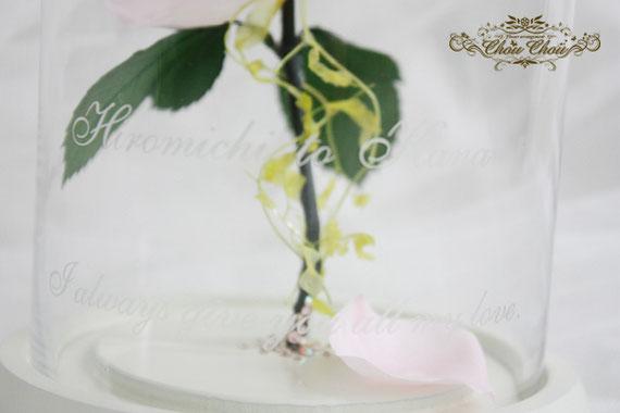 ディズニープロポーズ 1輪のバラ ガラスドームアレンジ プリザーブドフラワー