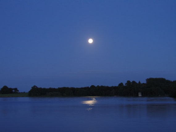 Vollmond über Lough Key
