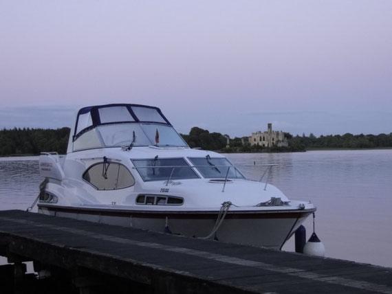 Duke mit Castle Island in der Abenddämmerung