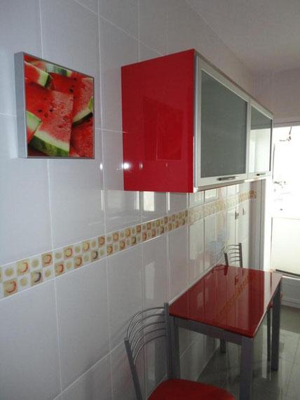 Cocina Roja y Negra Fuensanta