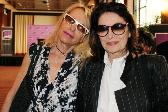 Anouk Aimé et Laure Adler - Festival de Cannes 2011 © Anik COUBLE