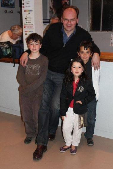 Jean-Pierre AMERIS et 3 admirateurs - Festival du film rhônalpin2011 © Anik COUBLE