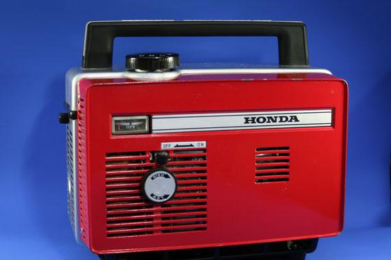発電機E40 17.2ccです。 0.18ps/4,000rpm 190サイクル117v 40VA 重量7.5kg 国内未発売