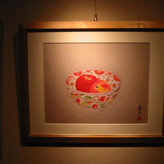 赤絵深鉢とりんご