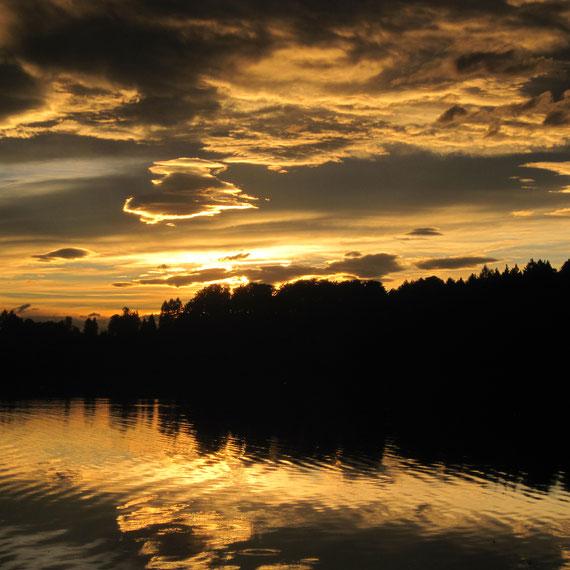 Föhnstimmung im Herbst am Hofstätter See