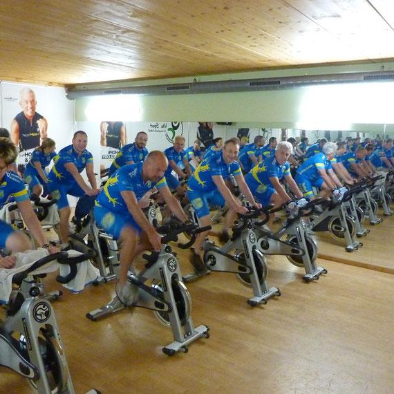 Radtreff-Biberach beim Montag's Indoor-Cycling Training im Vita Sport