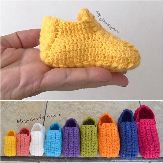 Zapatos o pantuflas con trenzas gorditas tejidas a crochet paso a paso