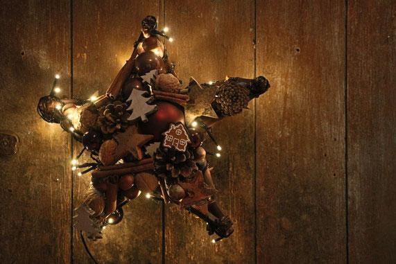 handmade handgemacht stars stern stern aus knöterich mit licht with light braun fensterschmuck weihnachtsdeko