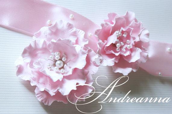 """браслет """"Дикая роза"""" стоимость 150 грн,  Заколка """"Дикая роза"""" на зажиме 150 грн (в любом цвете)"""