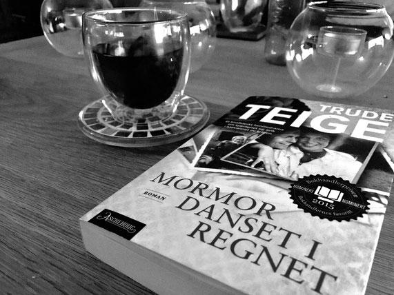 "Trude Teiges Buch ""Mormor Danset i regnet"""
