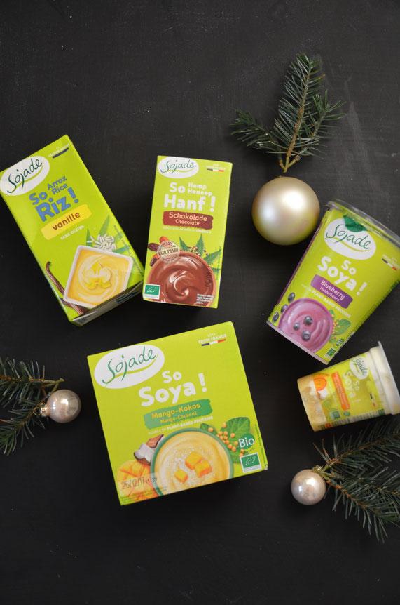 """Sojade bietet neben den sojabasierten Joghurts und Desserts eine Menge neuer Alternativen an. So ist die """"So Riz""""-Reihe z.B. auf Reisbasis und etwas süßer und die """"So Hanf""""-Reihe auf Hanfbasis etwas herber als die klassischen Sojaprodukte."""