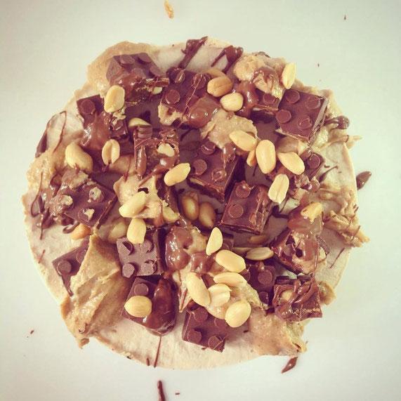 Snickers-Torte von oben, vegan
