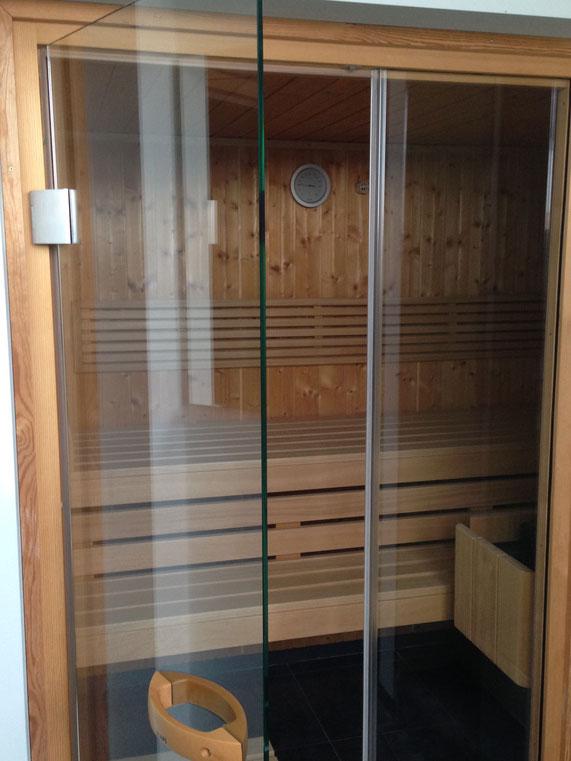 Eine Sauna in einem eigenen Apartment hat für uns immer einen großen Erholungsfaktor und ist etwas Besonderes. Das moderne Apartment in Leipzig ist stadtzentral und besonders für Messeaufenthalte zu empfehlen.