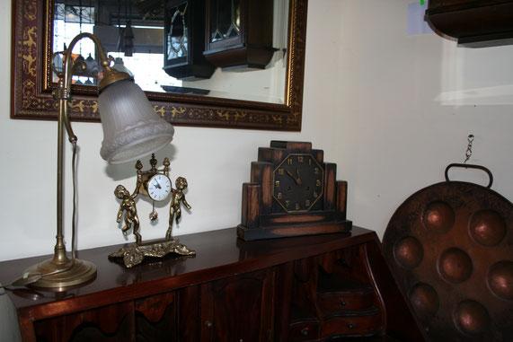 Antiekwinkel, antieke klokken en klokkenmakerij