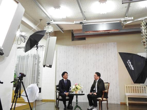 守口さんが代表を務める「写真の店 カラーセンター」にて