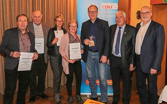 Die Gewinner v.li.: Bruno Möller, Frido Röschmann, Astrid Stöver, Birgit Zöllner, Uwe Lamberti, Fiete Tödt und OVV J. Hansen