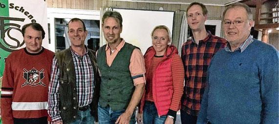 Der TC-Vorstand mit (v.l.) Thomas Fölster, Rolf Strauch, Holger Claussen, Sinje Bornholt, Mathias Schörlemann und Christian Gasau hofft auf neue Mitglieder. Kristina