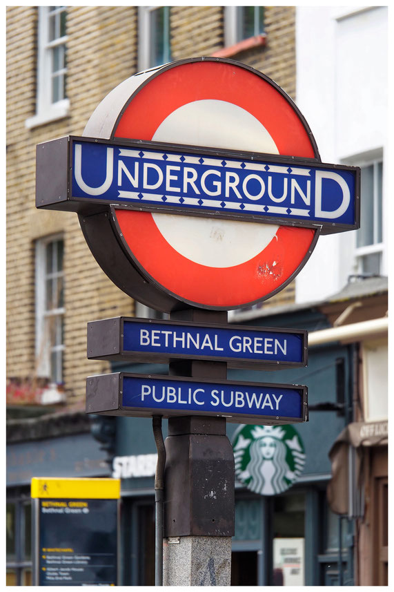 Schild der Londoner Subway Station Bethnal Green