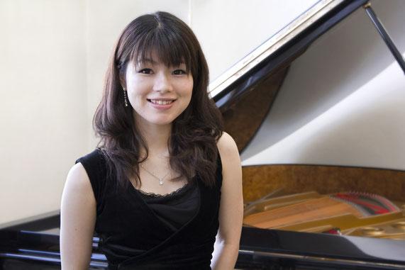 NANA MASUTANI, Pianistin/musikalische Leitung