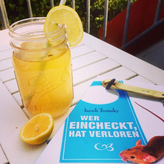 Für das Rezept der erfrischenden Zitronenlimonade einfach aufs Bild klicken.