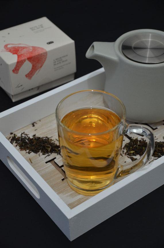 Gerade bei gutem Tee schmeckt man besonders die Wasserqualität. Und sieht sie auch. Kalk bspw. trübt den Tee sofort.