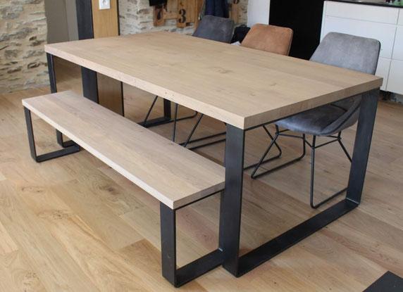 pied de table en métal ciré esprit industriel