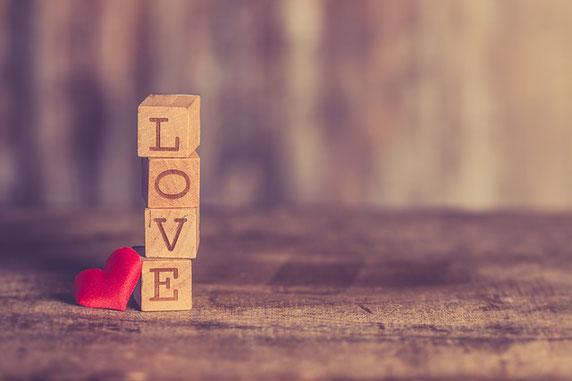 """Liebe ist überall - aus """"Der Sieger bleibt allein."""" von Paulo Coelho"""
