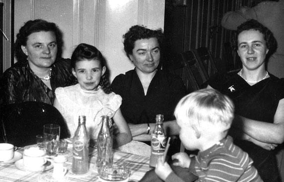 Thea Eickhorst, Hedda Eickhorst, Lina Eickhorst, Lisa Osterloh, Jörg-Henry Eickhorst / Foto: Eickhorst