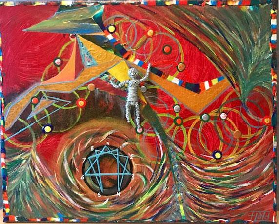Berauschend wirkende Komposition von Rottönen. Silberne Drahtskulptur in Verbindung mit Esoterik.