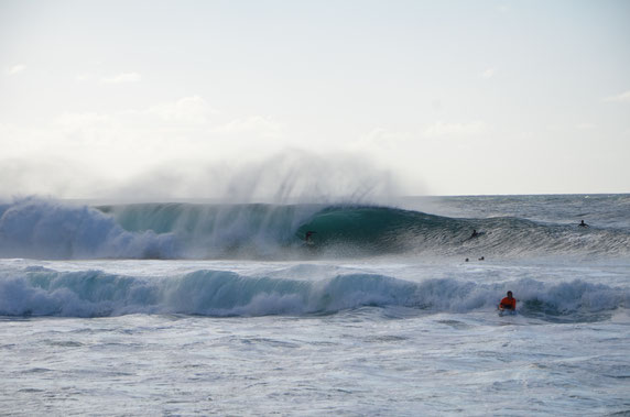 Barrel-North Shore-Hawaii-Pipeline