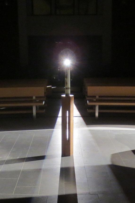 Osterleuchter - Ich bin in eurer Mitte - Ilumination Gregor Linßen, 2015